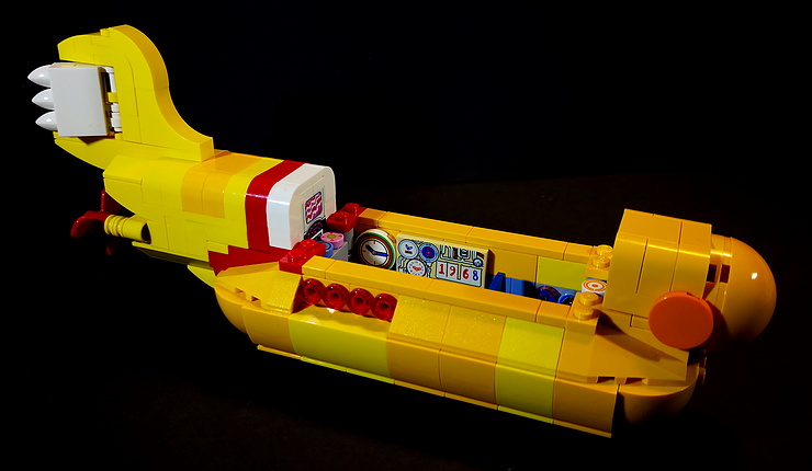 Review LED Light for LEGO 21306 The Yellow Submarine11 - Bricks Delight