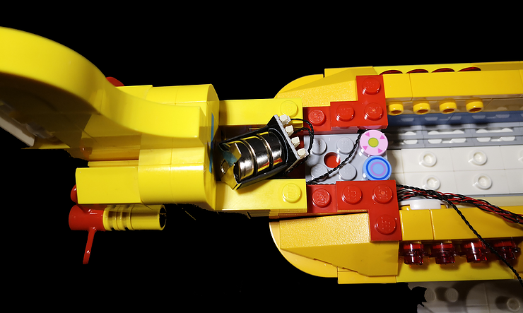 Review LED Light for LEGO 21306 The Yellow Submarine17 - Bricks Delight