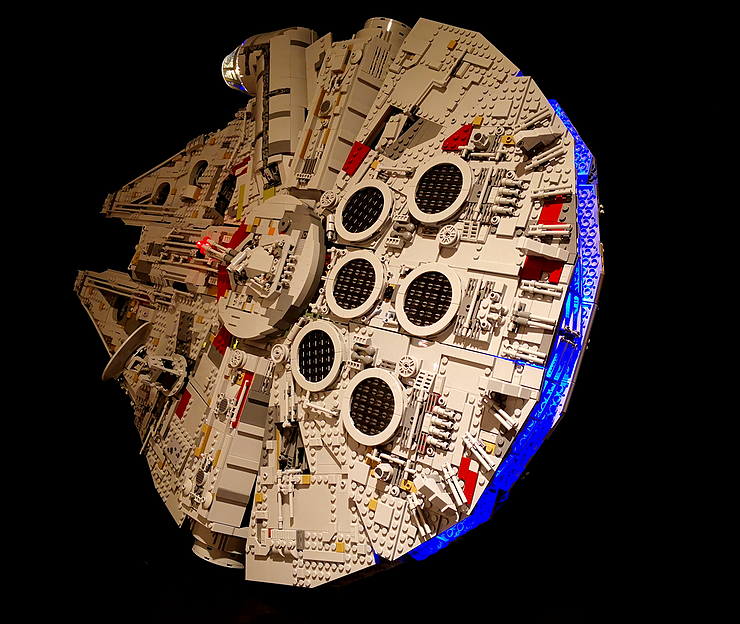Review LED Light for LEGO Star Wars UCS Millennium Falcon 75192 4 - Bricks Delight
