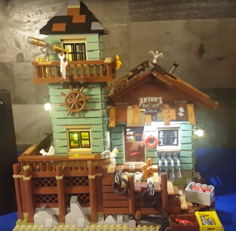 Review LED Light for LEGO Old Fishing Store 213109 - Bricks Delight